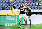 ***BETALBILD***  <br /> Solna 2015-05-10 Fotboll Allsvenskan AIK - IFK Norrk&ouml;ping :  <br /> AIK:s Sauli V&auml;is&auml;nen firar sitt 2-1 m&aring;l med Johan Blomberg under matchen mellan AIK och IFK Norrk&ouml;ping <br /> (Foto: Kenta J&ouml;nsson) Nyckelord:  AIK Gnaget Friends Arena Allsvenskan IFK Norrk&ouml;ping jubel gl&auml;dje lycka glad happy