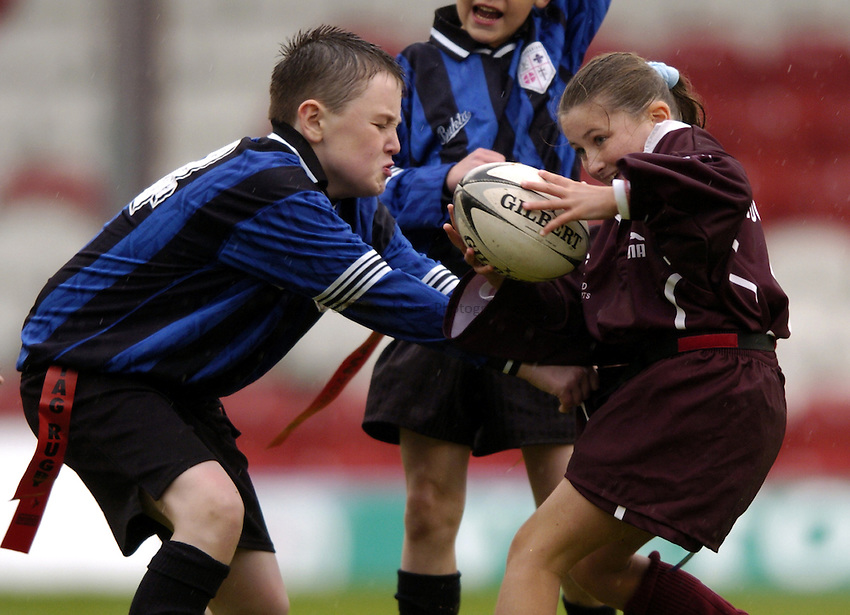 Photo: Richard Lane..London Broncos v Bradford Bulls. Tetleys Spuer League. 03/05/2004..Half Time Heros, mini rugby.