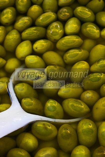 Europe/France/Rhône-Alpes/26/Drôme/Nyons: Sur le marché Olives Vertes Picholines