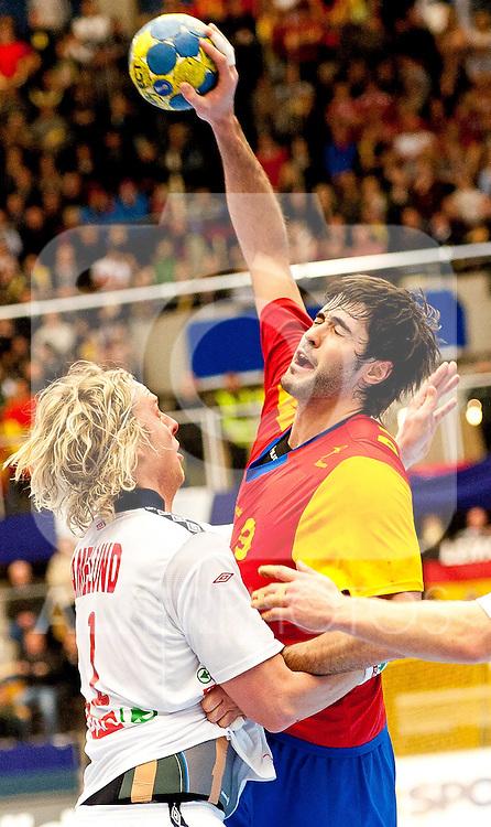110122 Handboll, VM, Spanien - Norge: Erlend Mamelund, Norge, Raul Entrerrios, Spanien... Foto © nph / Bildbyrån   56407