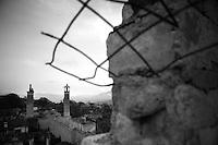 """Nagorny-Karabach, 19.05.2011, Shushi. Blick auf eine verlassene Moschee in Schuschi. """"The Twentieth Spring"""" - ein Portrait der s¸dkaukasischen Stadt Schuschi, 20 Jahre nach der Eroberung der Stadt durch armenische K?mpfer 1992 im B¸gerkrieg um die Unabh?ngigkeit Nagorny-Karabachs (1991-1994). A view down to an abandoned mosque in Shushi. """"The Twentieth Spring"""" - A portrait of Shushi, a south caucasian town 20 years after its """"Liberation"""" by armenian fighters during the civil war for independence of Nagorny-Karabakh (1991-1994). .Une vue plongeante sur une mosquée abandonnée à Chouchi. """"Le Vingtieme Anniversaire"""" - Un portrait de Chouchi, une ville du Caucase du Sud 20 ans après sa «libération» par les combattants arméniens pendant la guerre civile pour l'indépendance du Haut-Karabakh (1991-1994)..© Timo Vogt/Est&Ost, NO MODEL RELEASE !!"""