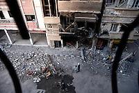 Syria, Deir az-Zor, 2013/03/20..Through Shara al-Am (main Street) of embattled Deir az-Zor..Syrie, Deir ez-Zor, 20/03/2013.Dans la rue principale de Deir ez-Zor assiégée..Photo: Timo Vogt / Est&Ost Photography.