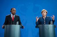 Berlin, 20130508CB017, Bundeskanzlerin Angela Merkel (CDU) und der Staatspräsident der Republik Niger, Mahamadou Issoufou, am Mittwoch (08.05.13) im Bundeskanzleramt in Berlin bei einer Pressebegegnung
