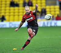 Watford, England. Charlie Hodgson of Saracens in action during the Aviva Premiership match between Saracens and at Gloucester Rugby at Vicarage Road on December 2, 2012 in Watford, England.