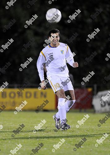 2011-10-08 / Voetbal / seizoen 2011-2012 / KFCO Wilrijk / Ossama Madah..Foto: Mpics
