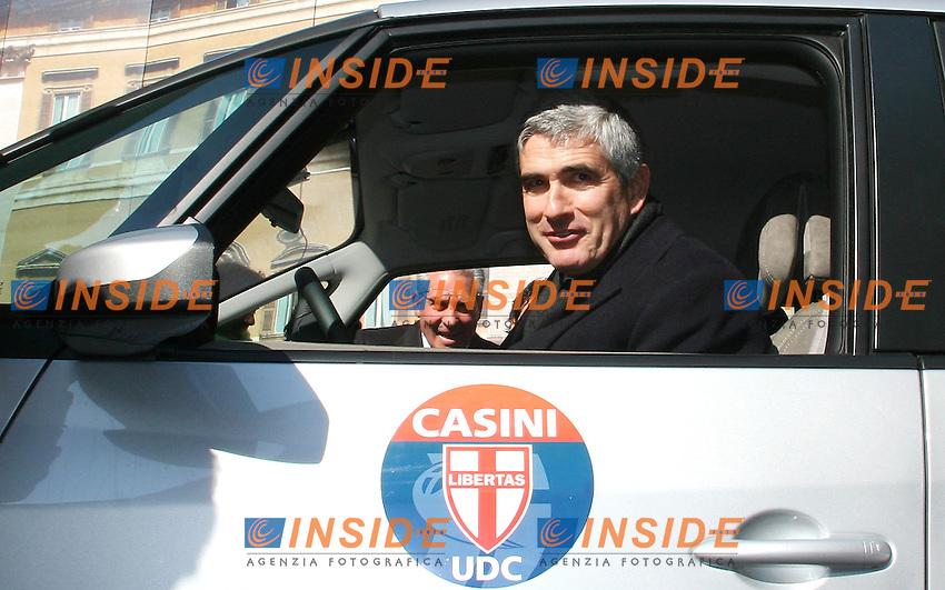 Roma 13 02 2006 Inaugurazione del tour elettorale dei Giovani UDC<br /> Nella foto il presidente della Camera Pier Ferdinando Casini<br /> Photo Serena Cremaschi Insidefoto