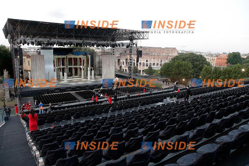 Una panoramica con il palco e sullo sfondo il Colosseo. La decisione di montare un palco sul Palatino ha destato molte polemiche<br /> General view of the stage, and in the background the Coliseum. The decision to build a stage on the Palatine hill, aroused controversy<br /> Roma 06/06/2017. Palatino. Anteprima del Musical 'Divo Nerone - Opera Rock'. L'enorme palco e' stato montato sulla cima del Colle Palatino, da dove si vede il Colosseo.<br /> Rome June 6th 2017. Palatine Hill. Musical 'Nerone Star - Rock Opera'. For the occasion, a huge stage was built on the top pf Palatino Hill, with a view on the Coliseum<br /> Foto Samantha Zucchi Insidefoto