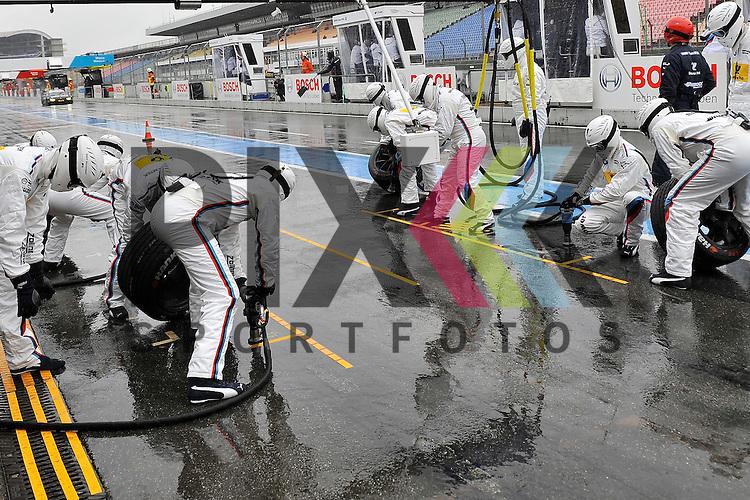 # 7 Bruno Spengler auf BMW M4 DTM BMW vom Team MTEK kommt zum Reifenwechsel beim Training der DTM auf dem Hockenheimring.<br /> <br /> Foto &copy; P-I-X.org *** Foto ist honorarpflichtig! *** Auf Anfrage in hoeherer Qualitaet/Aufloesung. Belegexemplar erbeten. Veroeffentlichung ausschliesslich fuer journalistisch-publizistische Zwecke. For editorial use only.