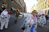 Roma, 26 Novembre 2011.Manifestazione nazionale per il rispetto dell'esito referendario sull'acqua, organizzata dal Forum italiano dei movimenti per l'acqua.solidarietà con il popolo palestinese