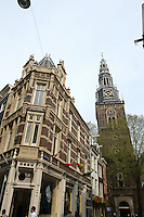 "AMSTERDAM-HOLANDA. Oude Kerk es el más antiguo edificio e iglesia de Amsterdam consagrada en 1306. The Oude Kerk (""old church"") is Amsterdam's oldest building and oldest parish church, consecrated in 1306. Photo: VizzorImage/STR"