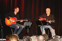Die Autoren Joe Fischler und Michael Kibler an ihren Gitarren