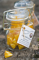 Europe/France/Midi-Pyrénées/46/Lot/Grégols: Berlingots  au Safran du Quercy chez Catherine Calvet Les Bories /Grégols // France, Lot, Gregols, Les Bories, at Catherine Calvet's, berlingot boiled sweets made with Quercy saffron
