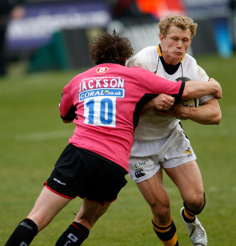 Photo: Richard Lane/Richard Lane Photography. .Saracens v London Wasps. Guinness Premiership. 20/04/2008. Wasps' Josh Lewsey attacks.