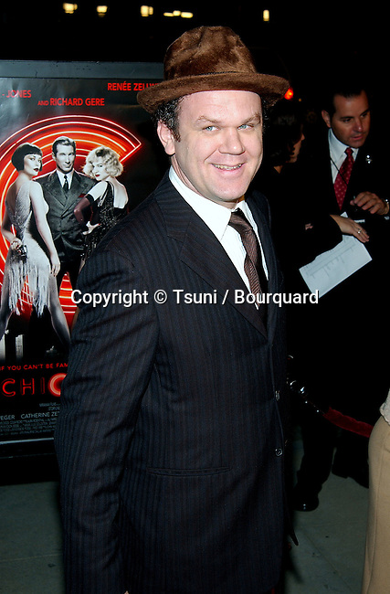 John C Reilly arriving at the Chicago Premiere at the Academy Of Motion Pictures in Los Angeles. December 10, 2002.           -            ReillyJohnC67.jpg
