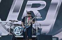 SÃO PAULO, SP, 06.04.2014 - LOLLAPALOOZA 2014 - SHOW RAIMUNDOS - Banda Raimundos se apresenta no segundo dia do Festival Lollapalooza 2014, realizado no Autódromo de Interlagos, zona sul de São Paulo na tarde deste domingo (06). (Foto: Levi Bianco / Brazil Photo Press).