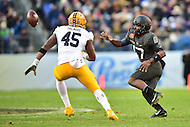 Baltimore, MD - DEC 10, 2016: Army Black Knights quarterback Ahmad Bradshaw (17) pitches the ball in front of Navy Midshipmen linebacker D.J. Palmore (45) during game between Army and Navy at M&T Bank Stadium, Baltimore, MD. (Photo by Phil Peters/Media Images International)