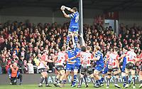 4th January 2020; Kingsholm Stadium, Gloucester, Gloucestershire, England; English Premiership Rugby, Gloucester versus Bath; Taulupe Faletau of Bath wins the lineout ball - Editorial Use