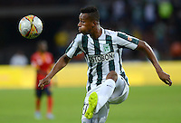MEDELLÍN -COLOMBIA - 01-03-2015: Jonathan Copete (Izq) jugador de Atlético Nacional en acciòn durante partido con Uniautónoma por la fecha 7 de la Liga Aguila I 2015 jugado en el estadio Atanasio Girardot de la ciudad de Medellín./ Jonathan Copete (L) player of Atletico Nacional in action during the match against Uniautonoma for the  7th date of the Aguila League I 2015 at Atanasio Girardot stadium in Medellin city. Photo: VizzorImage/León Monsalve/STR