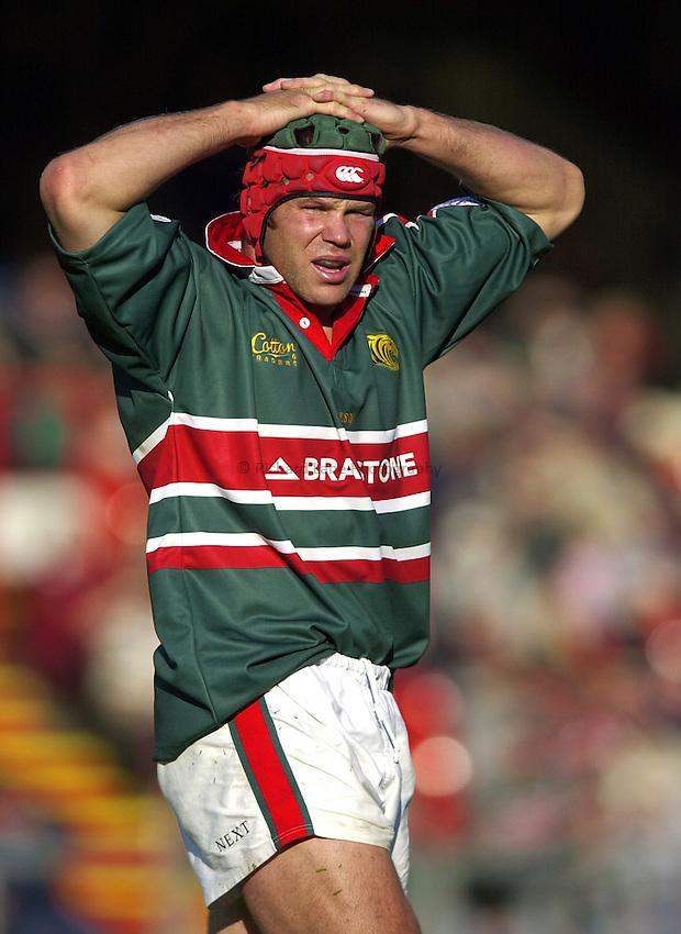 Photo. Richard Lane. .LEICESTER TIGERS V AMATORI & CALVISANO. Heineken Cup. 19-10-2002..Josh Kronfeld.