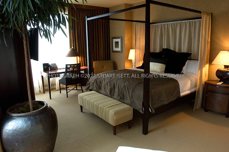 9/21/2006--Seattle, WA, USA..The Grand Suite at the Hotel 1000, a new futuristic hotel that opened in downtown Seattle in July, 2006. The hotel was developed to be Seattle's finest luxury boutique hotel....Photograph By Stuart Isett.All photographs ©2006 Stuart Isett.All rights reserved.