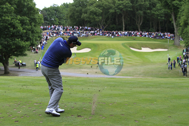 David Howell (ENG) tees off on the par3 2nd tee during the Final Day of the BMW PGA Championship Championship at, Wentworth Club, Surrey, England, 29th May 2011. (Photo Eoin Clarke/Golffile 2011)