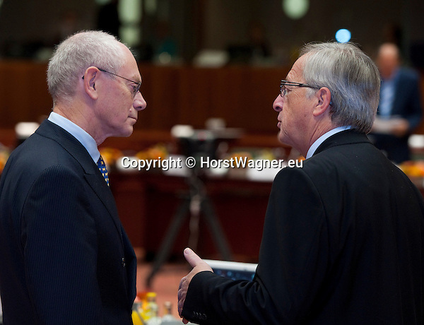 Brussels-Belgium - October 19, 2012 -- European Council, EU-summit meeting of Heads of State / Government; here, Herman Van ROMPUY (ri), President of the European Council, with Jean-Claude JUNCKER (ri), Prime Minister (and Ministre d'Etat, Minister for Finance) of Luxembourg -- Photo: © HorstWagner.eu