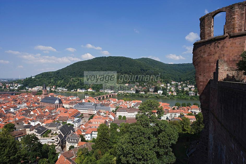Europe/Allemagne/Bade-Würrtemberg/Heidelberg: vue sur la ville et la vallée du Neckar depuis le Rondell du Château