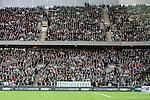 Stockholm 2015-10-25 Fotboll Allsvenskan Hammarby IF - Malm&ouml; FF :  <br /> Vy &ouml;ver Tele2 Arena med Hammarbys supportrar p&aring; l&auml;ktarna och med en banderoll med texten F&aring;gelholkarna under matchen mellan Hammarby IF och Malm&ouml; FF <br /> (Foto: Kenta J&ouml;nsson) Nyckelord:  Fotboll Allsvenskan Tele2 Arena Hammarby HIF Bajen Malm&ouml; FF MFF supporter fans publik supporters Puma