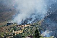 Waldbrand nahe der Sizilianischen Kleinstadt Petralia Sottana in der Provinz Palermo am Freitag den 31. Juli 2020. Der Brand dauerte vom Morgen bis in die Abendstunden. Anwohner nannten als Grund fuer den Brand Zigaretten, welche moeglicher Weise gezielt aus dem Auto geworfen wurden, da es neben der Strasse an mehreren Stellen fast zeitgleich anfing zu brennen.<br /> 31.7.2020, Petralia Sottana<br /> Copyright: Christian-Ditsch.de<br /> NUR FUER REDAKTIONELLE ZWECKE! Werbung nur auf Anfrage beim Fotografen. [Inhaltsveraendernde Manipulation des Fotos nur nach ausdruecklicher Genehmigung des Fotografen. Vereinbarungen ueber Abtretung von Persoenlichkeitsrechten/Model Release der abgebildeten Person/Personen liegen nicht vor. NO MODEL RELEASE! Don't publish without copyright Christian-Ditsch.de, Veroeffentlichung nur mit Fotografennennung, sowie gegen Honorar, MwSt. und Beleg. Konto: I N G - D i B a, IBAN DE58500105175400192269, BIC INGDDEFFXXX, Kontakt: post@christian-ditsch.de<br /> Bei der Bearbeitung der Dateiinformationen darf die Urheberkennzeichnung in den EXIF- und  IPTC-Daten nicht entfernt werden, diese sind in digitalen Medien nach §95c UrhG rechtlich geschuetzt. Der Urhebervermerk wird gemaess §13 UrhG verlangt.]