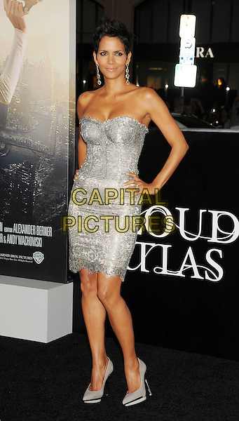 "Halle Berry.Los Angeles premiere of Warner Brothers Pictures' ""Cloud Atlas"" at Grauman's Chinese Theater. Hollywood, CA USA..October 24th, 2012.full length dress silver strapless lace grey gray hands on hips cleavage shoes .CAP/ROT/TM.© TM/Roth/Capital Pictures"