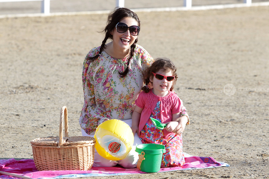 NO FEE PICTURES.26/1/12 Model Corina Grant and her daughter Cara Leigh (aged 3) will have their bags packed and ready for the Holiday World Show Dublin at the RDS this weekend. Dressed in fun, colourful holiday attire the pair will be armed with their buckets and spades to get the best holidays deals for 2012, the Holiday World Show takes place at the RDS Simmonscourt from Friday 2th-Sunday 29th. Picture:Arthur Carron/Collins
