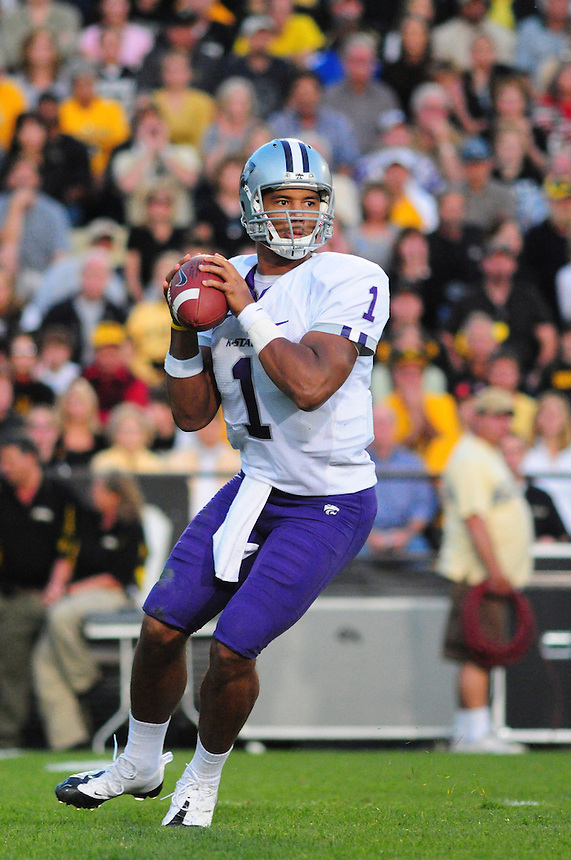 18 October 08: Kansas State quarterback Josh Freeman scrambles as he looks for an open receiver during a game against Colorado. The Colorado Buffaloes defeated the Kansas State Wildcats 14-13 at Folsom Field in Boulder, Colorado.