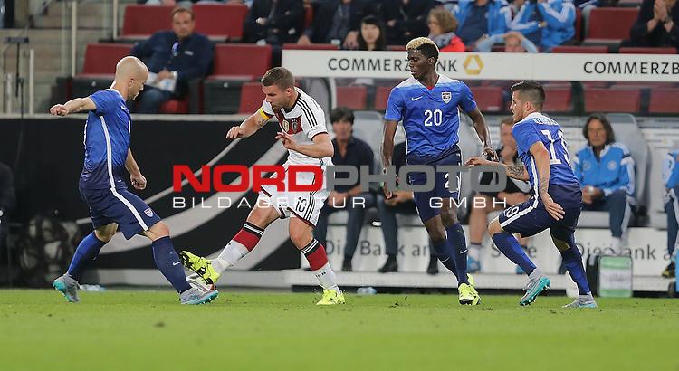 DFB Freundschaftsl&auml;nderspiel, Deutschland vs. USA<br /> Michael Bradley (USA), Lukas Podolski (Deutschland)<br /> <br /> Foto &copy; nordphoto /  Bratic