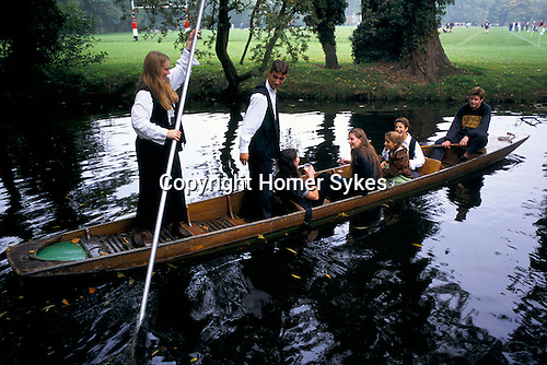 'OXFORD UNIVERSITY' 1995, PUNTING ON THE RIVER CHERWELL, 1995