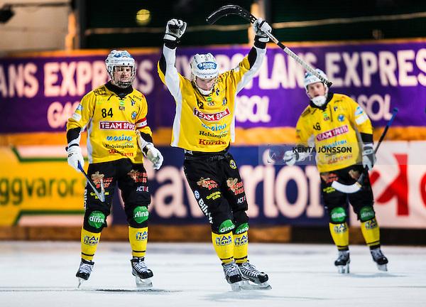 Stockholm 2013-12-30 Bandy Elitserien Hammarby IF - Broberg S&ouml;derhamn IF :  <br /> Brobergs Jesper &Ouml;hrlund jublar efter att ha reducerat till 4-8 p&aring; h&ouml;rna<br /> (Foto: Kenta J&ouml;nsson) Nyckelord:  jubel gl&auml;dje lycka glad happy
