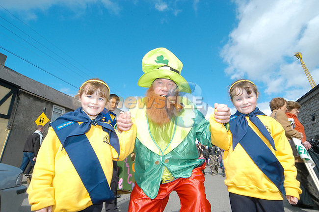 Frank Godfrey entertaines the children at the parade on St Patrics day...Photo Colin Bell/Newsfile