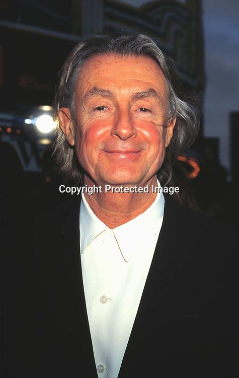 "©KATHY HUTCHINS/HUTCHINS.6/12/97 "" BATMAN & ROBIN"" PREMIERE.JOEL SCHUMACHER "" DIRECTED ""BATMAN & ROBIN"""