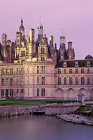 France, Chambord, Loire Castle Region, chateau, castle, Loir-et-Cher, Centre, Europe, The Renaissance Chateau of Chambord in the evening. Largest of all the castles in the Loire Valley.