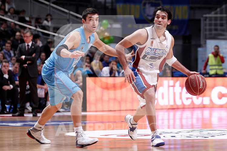 Asefa Estudiantes' Jaime Fernandez (l) and Blusens Monbus' Andres Rodriguez during Liga Endesa ACB match.December 1,2012. (ALTERPHOTOS/Acero)