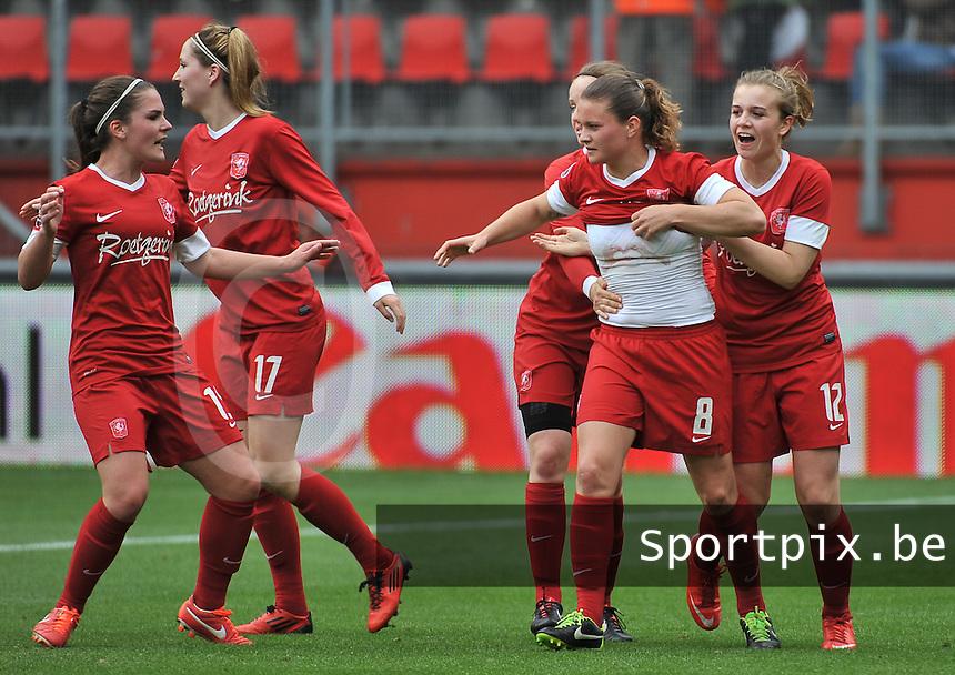 FC Twente - Standard Femina : Sherida Spitse (8) scoort de gelijkmaker voor Twente <br /> foto DAVID CATRY / Nikonpro.be