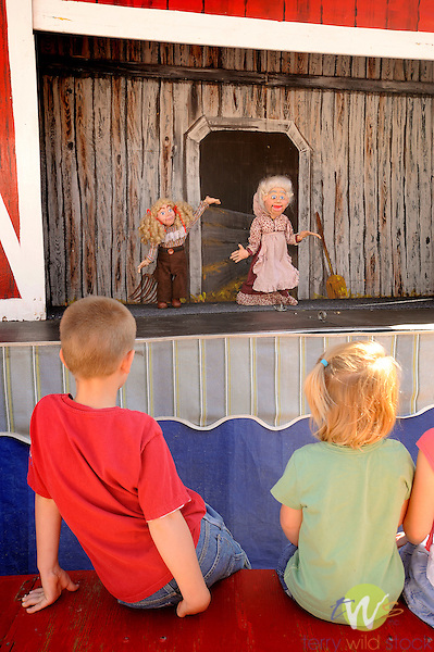 32nd Annual Selinsgrove Market Street Festival. Puppet show.