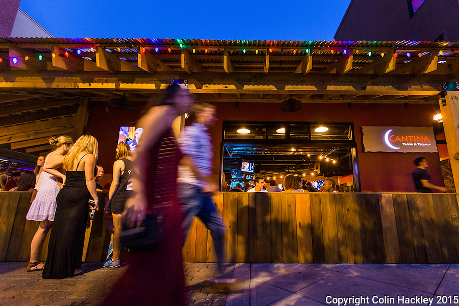 Sidewalk seating at the Cantina Tacos and Tequila keeps patrons in touch with Tallahassee's College Town scene. <br /> <br /> COLIN HACKLEY PHOTO
