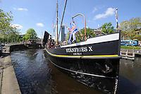 ALGEMEEN: LEEUWARDEN: 17-05-2014, offici&euml;le overdracht schip de Stanfries X aan de museumhaven Leeuwarden,<br /> &copy;foto Martin de Jong