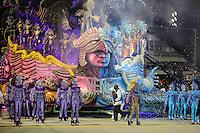 SAO PAULO, SP, 09 FEVEREIRO 2013 - CARNAVAL SP - NENE DE VILA MATILDE - Integrantes da escola de samba Nenê de Vila Matilde durante desfile no segundo dia do Grupo Especial no Sambódromo do Anhembi na região norte da capital paulista, nesta sabado, 09. (FOTO: WILLIAM VOLCOV / BRAZIL PHOTO PRESS).