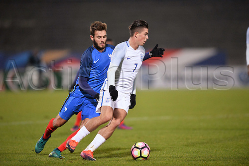 14.11.2016. bondoufle, Paris, France. U-21 International friendly football match, France versus England.  Jack Grealish (eng) turns Lucas Tousart (fra)
