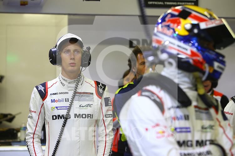 #1 PORSCHE TEAM (DEU) PORSCHE 919 HYBRID LMP1 BRENDON HARTLEY (NZL)