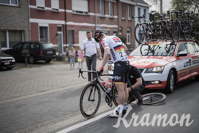 Andr&eacute; Greipel (DEU/Lotto-Soudal) with a flat<br /> <br /> 105th Scheldeprijs 2017 (1.HC)<br /> 1 Day Race: Mol &rsaquo; Schoten (BEL/202km)