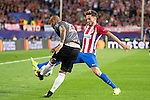 Atletico de Madrid's player Saúl Ñígez and Bayern Munich's player Arturo Vidal during match of UEFA Champions League at Vicente Calderon Stadium in Madrid. September 28, Spain. 2016. (ALTERPHOTOS/BorjaB.Hojas)
