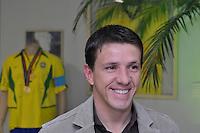 SÃO PAULO, 30 DE JUNHO DE 2012 – COMEMORAÇÃO 10 ANOS DO PENTA: Pentacampeão Juninho esteve presente durante jantar promovido pelo ex jogador Cafú para celebrar os 10 anos da conquista do Penta Campeonato de 2002 e os 50 anos da conquista da Copa do Mundo de 1962. O encontro aconteceu na casa do jogador em Alphaville na noite deste sábado (30) FOTO: LEVI BIANCO – BRAZIL PHOTO PRESS.