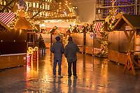 Gedenken am Dienstag den 19. Dezember 2017 anlaesslich des 1. Jahrestag des Terroranschlag auf den Weihnachtsmarkt auf dem Berliner Breitscheidplatz am 19.12.2016 durch den Terroristen Anis Amri.<br /> Im Bild: Der Weihnachtsmarkt blieb am Jahrestag des Anschlags geschlossen.<br /> 19.12.2017, Berlin<br /> Copyright: Christian-Ditsch.de<br /> [Inhaltsveraendernde Manipulation des Fotos nur nach ausdruecklicher Genehmigung des Fotografen. Vereinbarungen ueber Abtretung von Persoenlichkeitsrechten/Model Release der abgebildeten Person/Personen liegen nicht vor. NO MODEL RELEASE! Nur fuer Redaktionelle Zwecke. Don't publish without copyright Christian-Ditsch.de, Veroeffentlichung nur mit Fotografennennung, sowie gegen Honorar, MwSt. und Beleg. Konto: I N G - D i B a, IBAN DE58500105175400192269, BIC INGDDEFFXXX, Kontakt: post@christian-ditsch.de<br /> Bei der Bearbeitung der Dateiinformationen darf die Urheberkennzeichnung in den EXIF- und  IPTC-Daten nicht entfernt werden, diese sind in digitalen Medien nach §95c UrhG rechtlich geschuetzt. Der Urhebervermerk wird gemaess §13 UrhG verlangt.]
